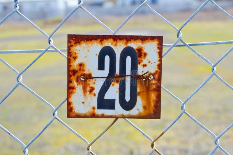 Sinal oxidado do número 20 imagem de stock royalty free