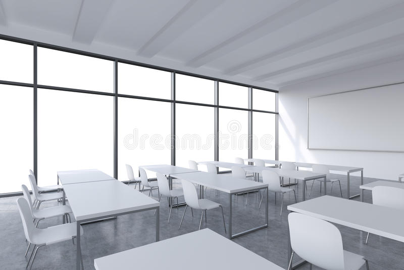 Uma sala de aula panorâmico moderna com espaço branco da cópia nas janelas Tabelas brancas e cadeiras brancas e um whiteboard na  ilustração stock
