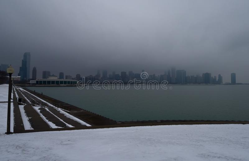 Uma skyline nevoenta imagem de stock royalty free