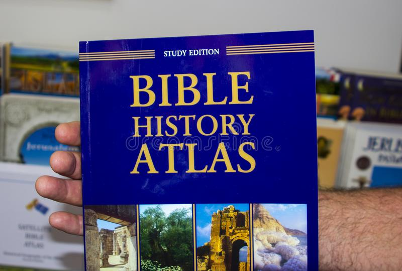 Uma tampa traseira dura do atlas da Bíblia foto de stock royalty free