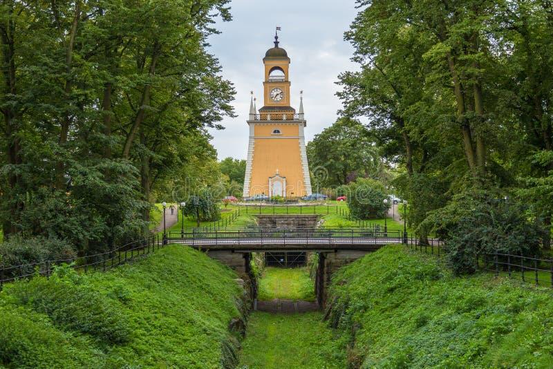 Uma torre de sino no parque de Admiralty, Karlskrona, Suécia fotos de stock