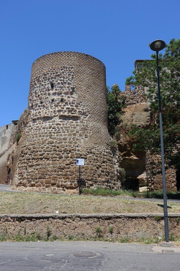 Uma torre em Cerveteri fotografia de stock royalty free