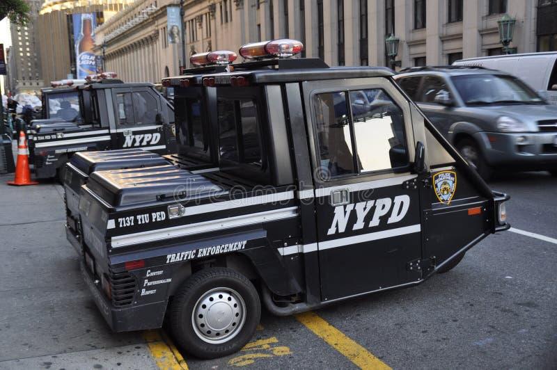 Uma unidade do tráfego do veículo com rodas de três com o NYPD imagens de stock