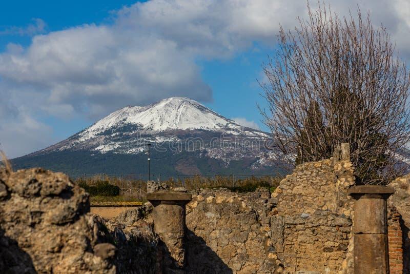 Uma viagem fascinante com as ru?nas da cidade antiga de Pompeii, It?lia fotografia de stock royalty free