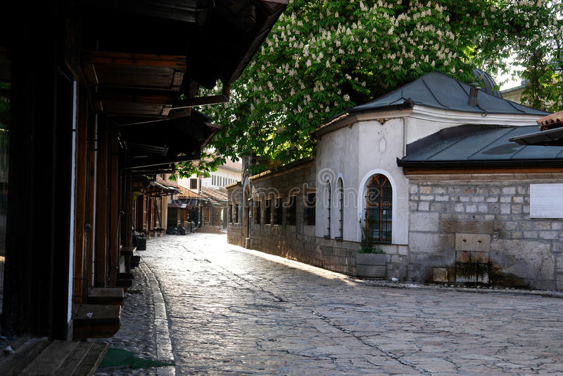 Uma vista da cidade velha - Bascarsija- em Sarajevo imagem de stock