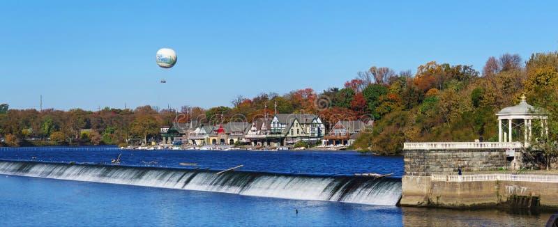 Uma vista da fuga do rio de Schuylkill da fileira da casa de barco fotos de stock