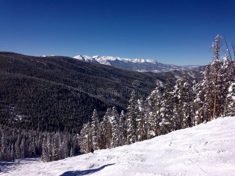 Uma vista da parte superior de uma montanha perto de Avon Colorado foto de stock royalty free