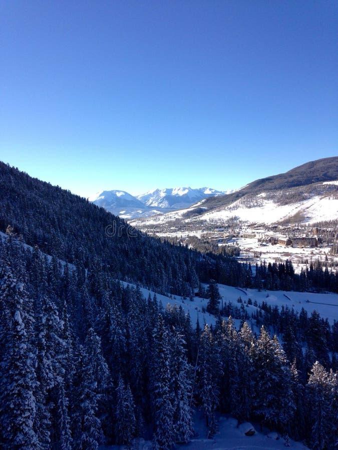 Uma vista da parte superior de uma montanha perto de Avon Colorado imagem de stock royalty free