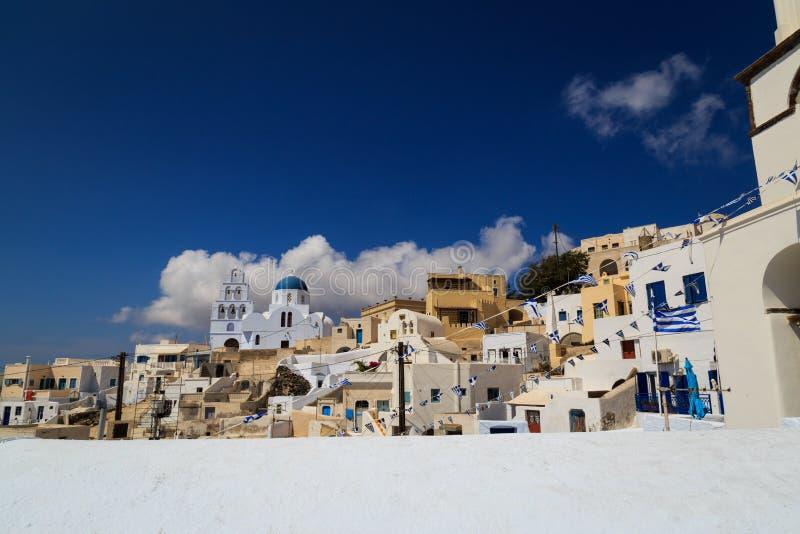 Uma vista da vila de Pyrgos em Santorini fotografia de stock