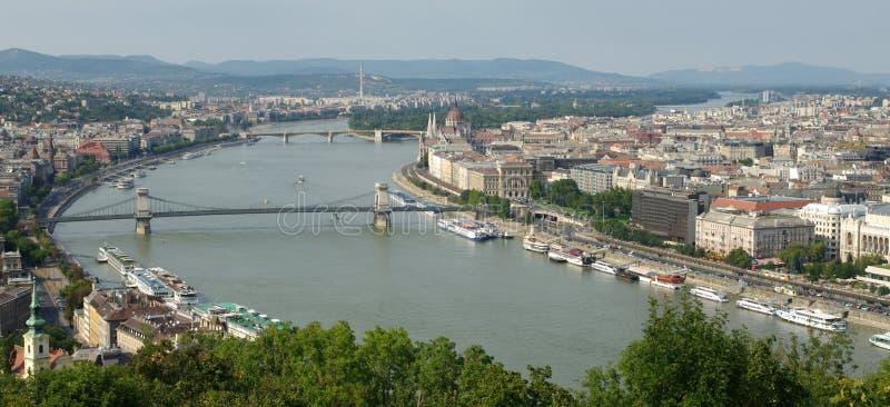 Uma vista de Budapest de Citadella, monte de Gellért imagem de stock