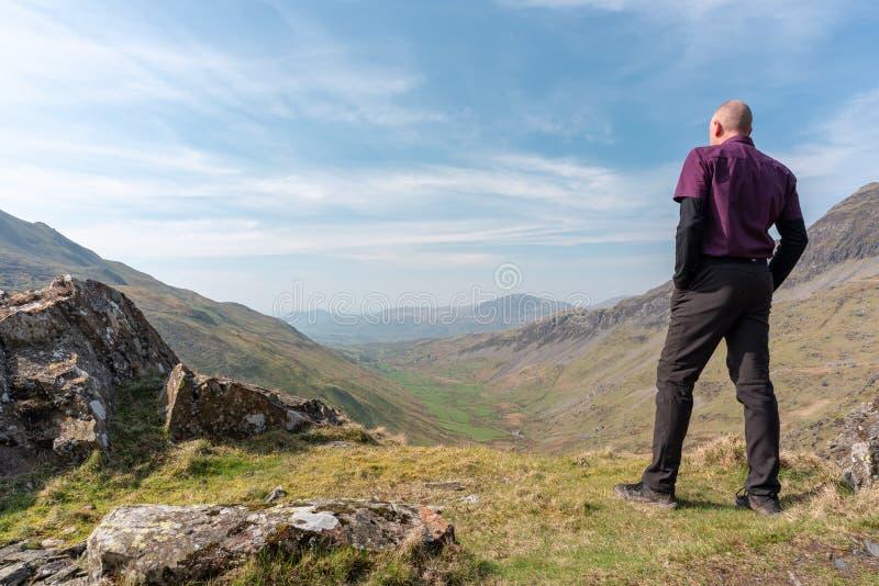 Uma vista de Cwm Croesor de Cnicht, Gwynedd, Gales imagens de stock