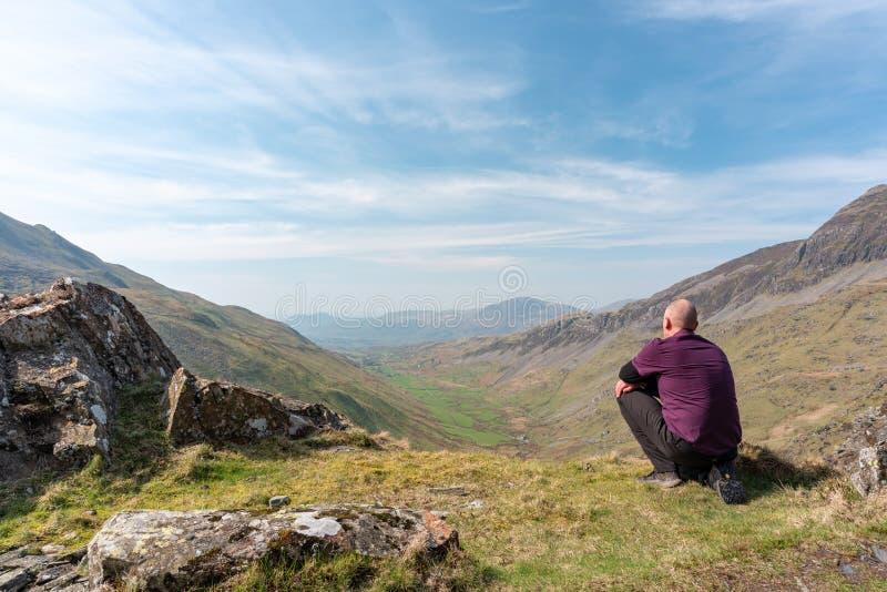 Uma vista de Cwm Croesor de Cnicht, Gwynedd, Gales imagens de stock royalty free