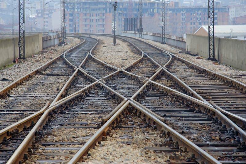 Uma vista de uma trilha railway imagens de stock