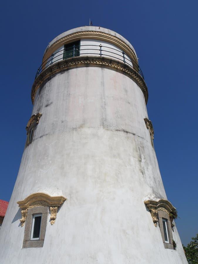 Uma vista dianteira do farol em Guia Fortress em Macau fotos de stock royalty free