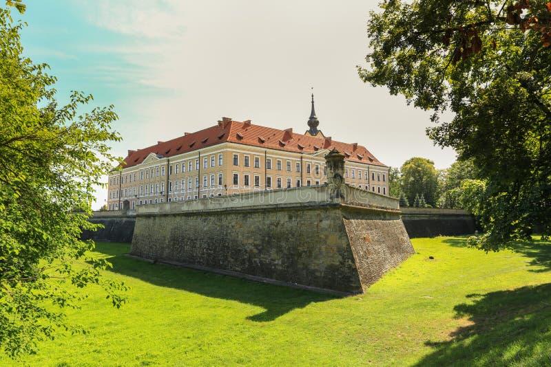 Uma vista do castelo de Rzeszow no Polônia fotografia de stock