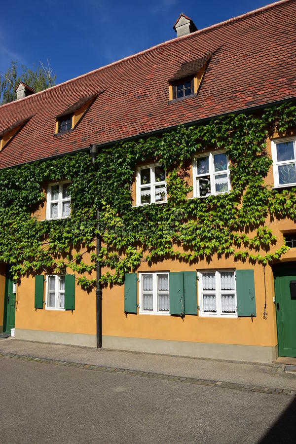 Uma vista do FUGGEREI em Augsburg, Alemanha imagem de stock royalty free