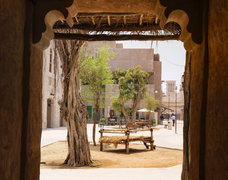 Uma vista do pátio árabe dubai fotografia de stock