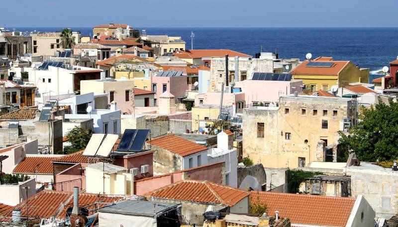 Uma vista em telhados da Creta imagem de stock