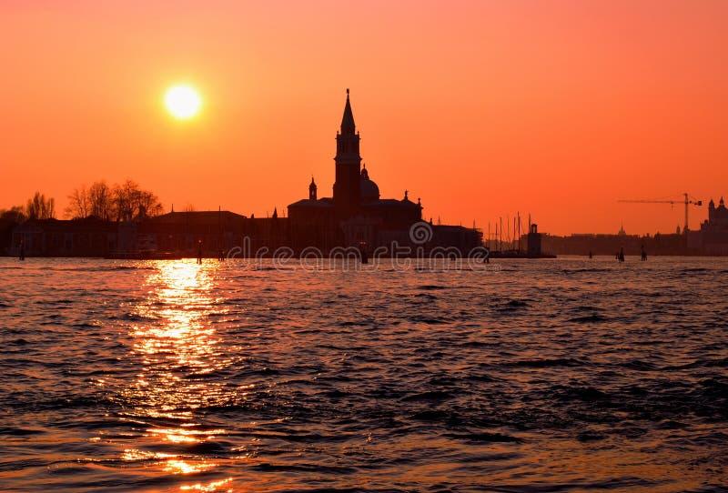 Uma vista no italiano Veneza no por do sol fotos de stock