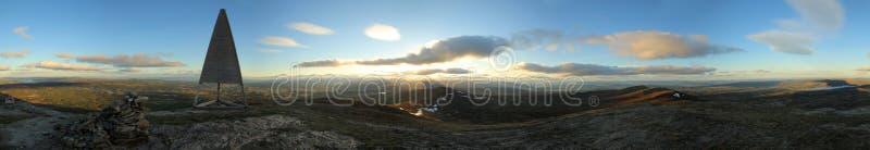uma vista panorâmica de 360 graus da montanha sueco Ansaett imagens de stock