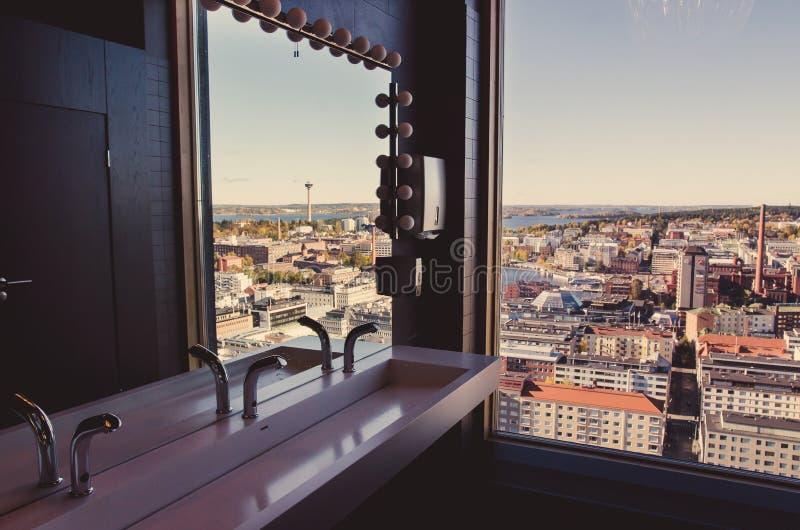 Uma vista sobre a cidade de Tampere, Finlandia imagem de stock