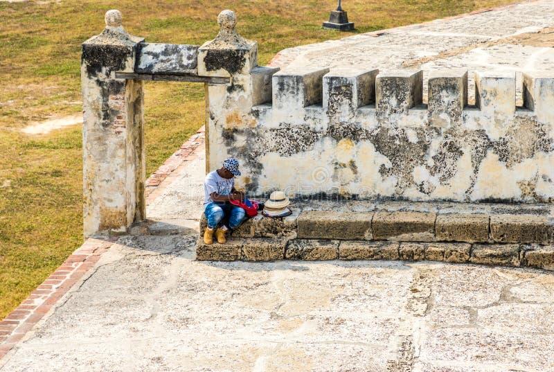 Uma vista típica em Cartagena Colômbia imagens de stock