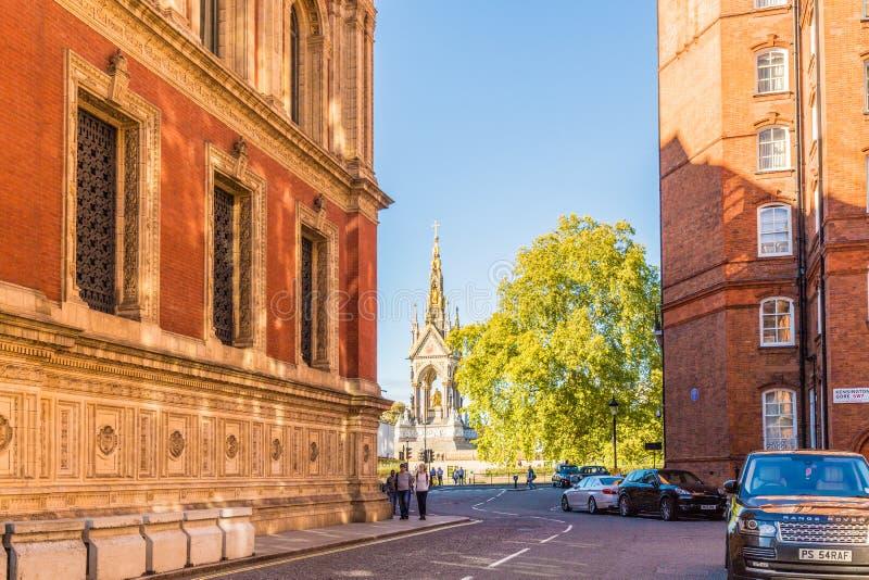 Uma vista típica em Kensington em Londres foto de stock