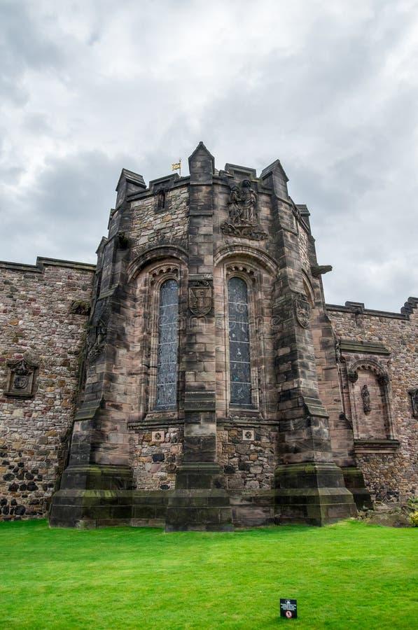 Uma vista traseira do memorial de guerra nacional escocês no castelo de Edimburgo imagens de stock