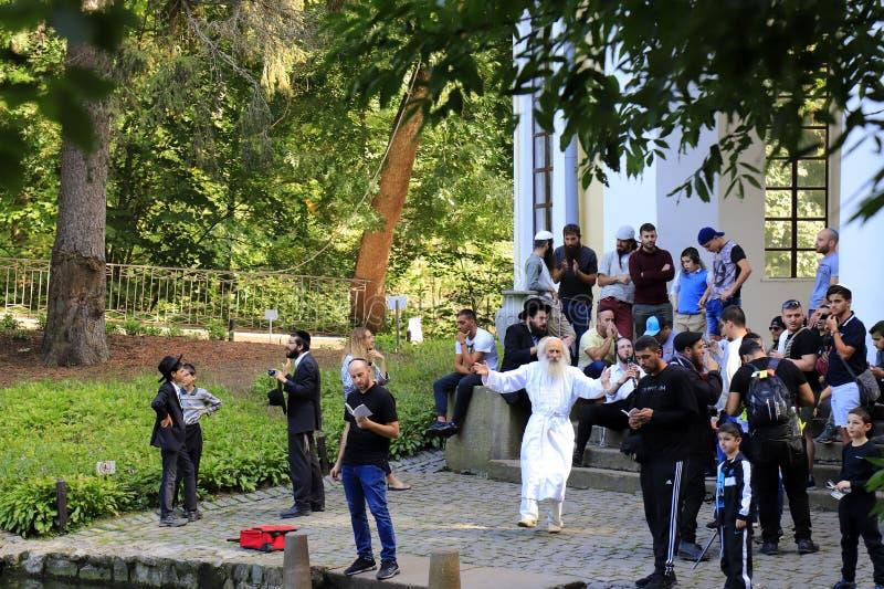 Uman Ουκρανία Οι Εβραίοι σχετικών με το χασιδισμό χορεύουν, τραγουδούν και προσεύχονται κατά τη διάρκεια του εβραϊκού νέου έτους  στοκ φωτογραφίες με δικαίωμα ελεύθερης χρήσης