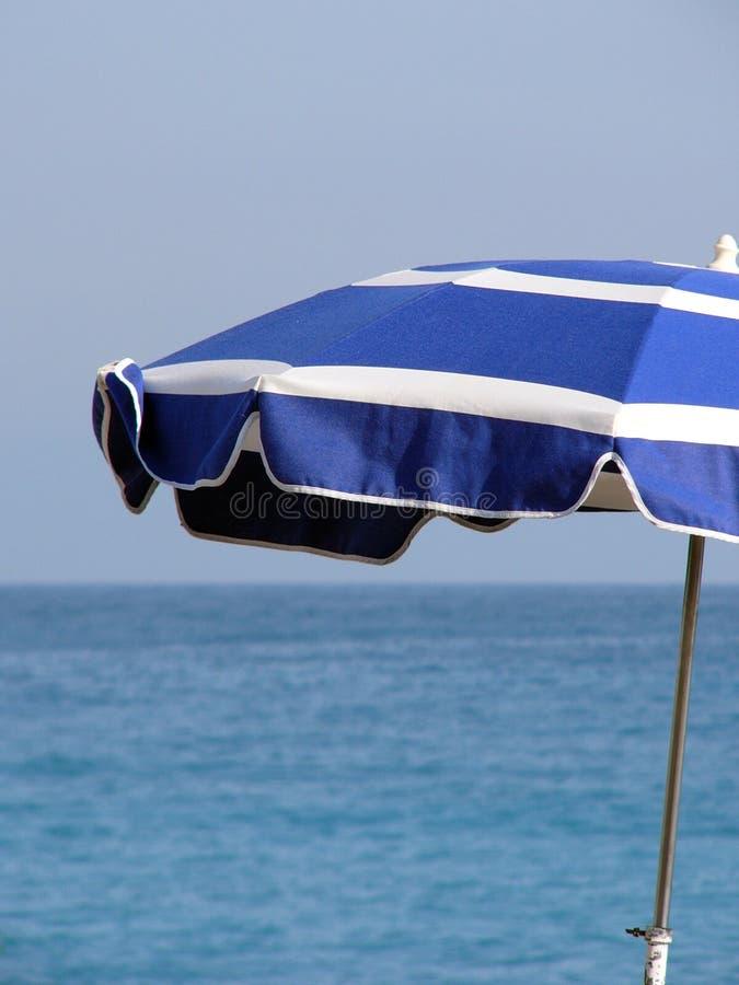 Download Umbrella zdjęcie stock. Obraz złożonej z francja, plaża - 130058