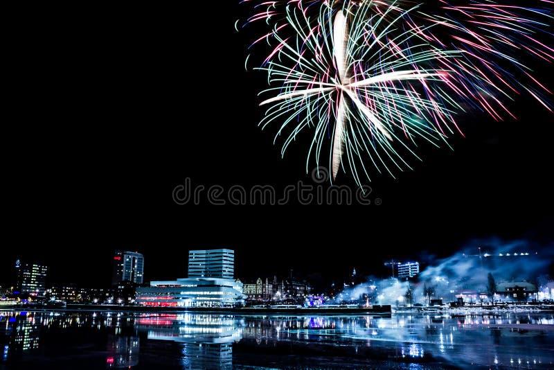 Umeå, Svezia con il fuoco d'artificio immagini stock libere da diritti