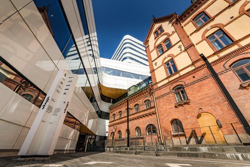 Umea, Sverige - 10 maj 2019: Kulturväven - är ett kulturcentrum i staden Umeå, ett hem för flera kulturinstitutioner arkivfoton