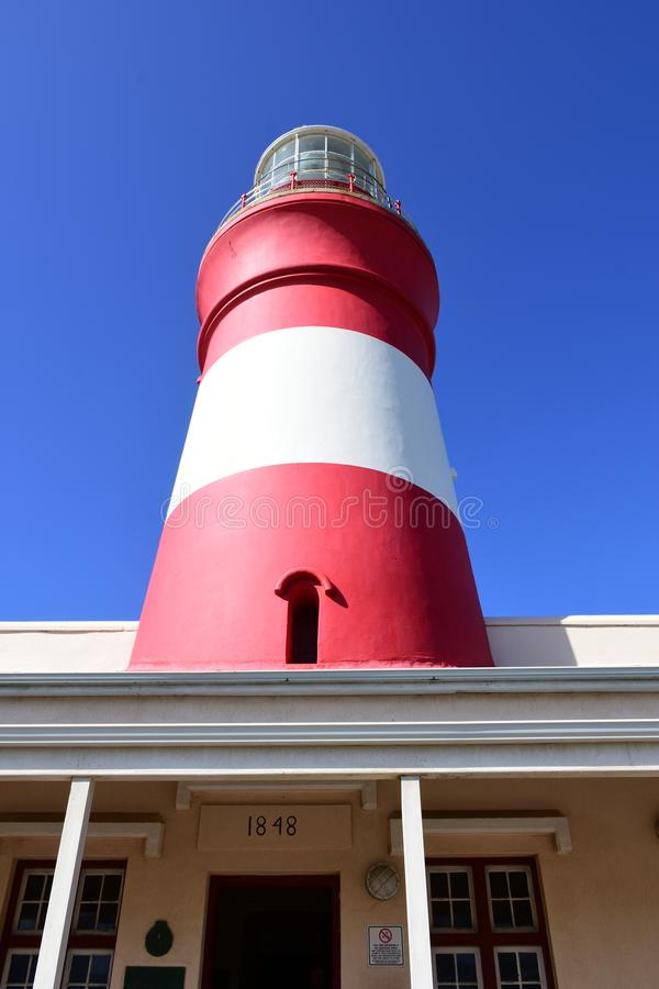 Umhang Agulhas Leuchtturm, Südafrika lizenzfreie stockfotos