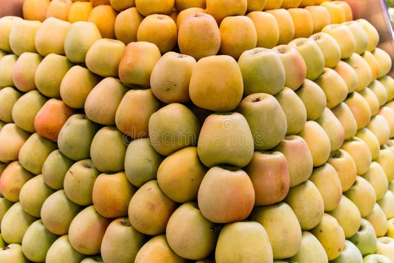 Umieszczający jabłka obrazy stock