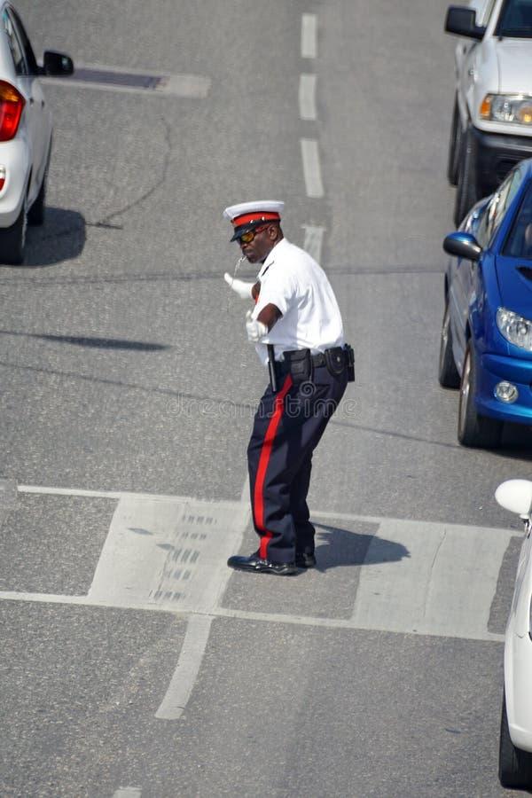 Umundurowany funkcjonariusz policji na Uroczystym kajmanie zdjęcia royalty free