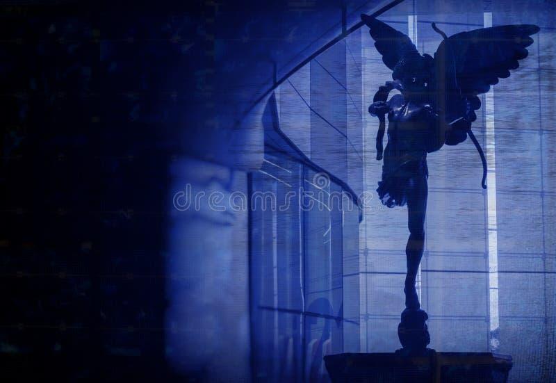 Un ángel de búsqueda en las sombras imagen de archivo libre de regalías
