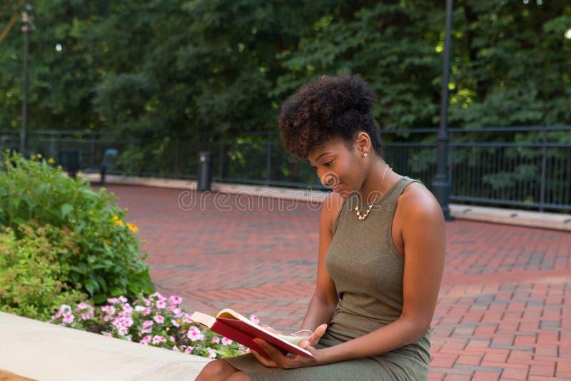 Un étudiant universitaire photos stock