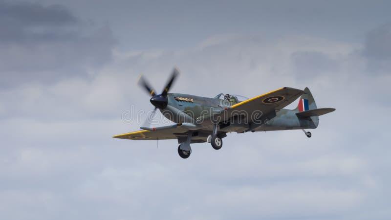 Aereo Da Caccia Traduzione Inglese : Un aereo da caccia d annata delle spitfire fotografia