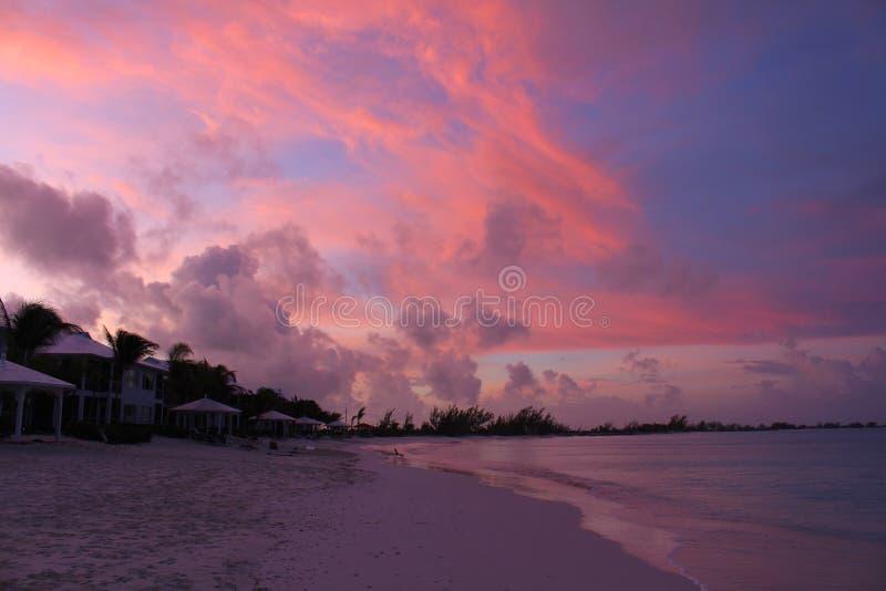Un'alba meravigliosa nei Caraibi, Long Island, Bahamas immagine stock libera da diritti