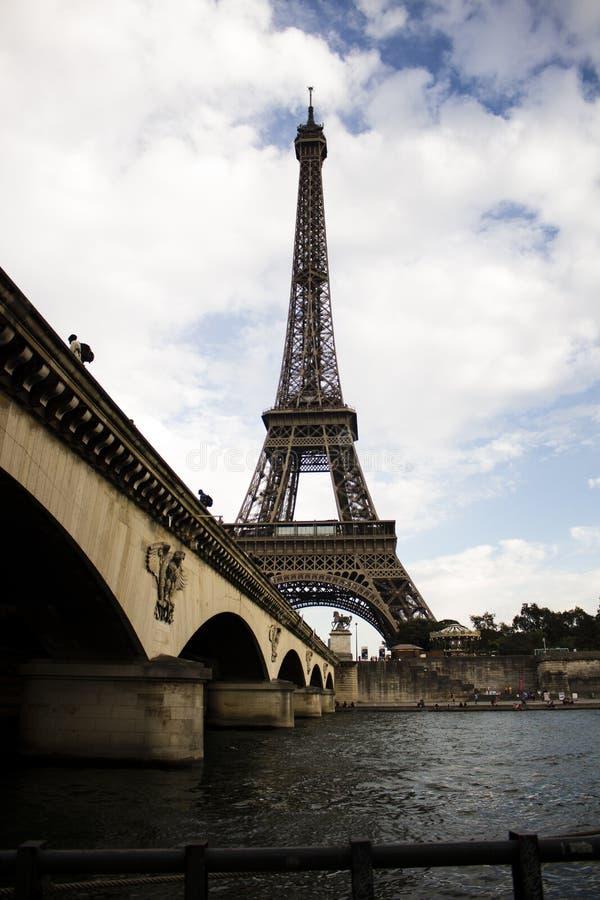Un'altra bella vista della torre Eiffel fotografia stock libera da diritti
