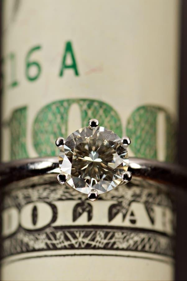 Un anello di diamante di carati immagini stock libere da diritti