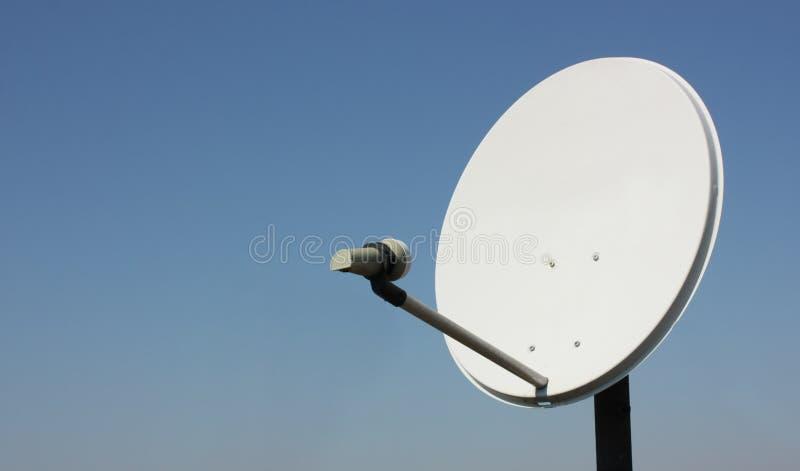 Un'antenna satellite immagini stock