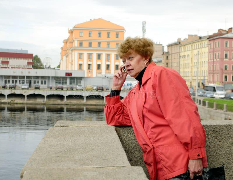 Download Un Appel Téléphonique Urgent Image stock - Image du appel, ville: 77150935