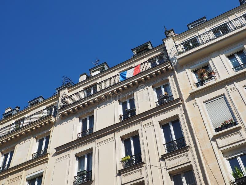 Un appui français d'expositions de drapeau à l'équipe de football nationale image libre de droits