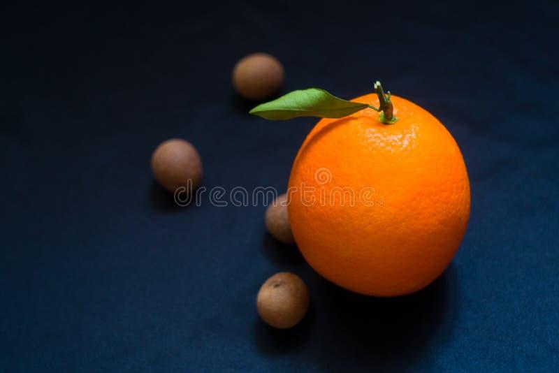 Un'arancia fotografia stock