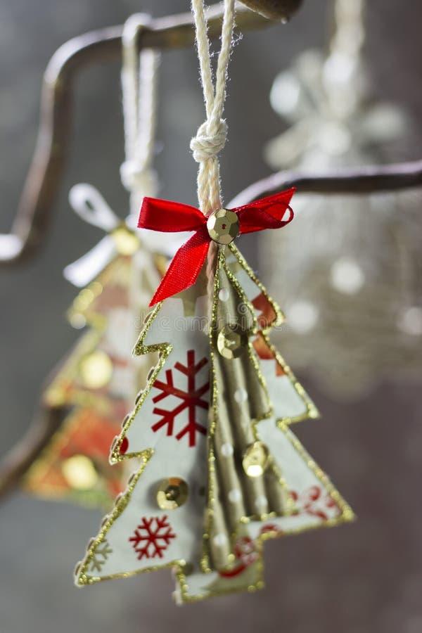 Un arbre de Noël peint images libres de droits