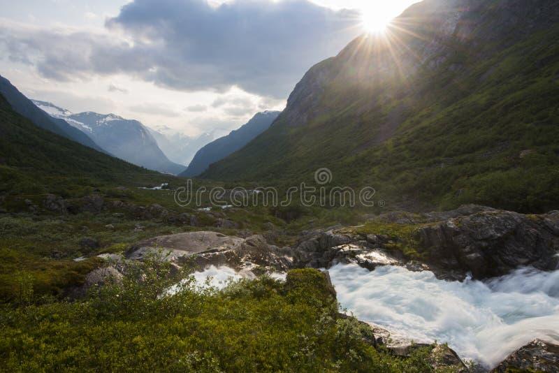 Download Un arroyo en Noruega imagen de archivo. Imagen de arroyo - 42436715