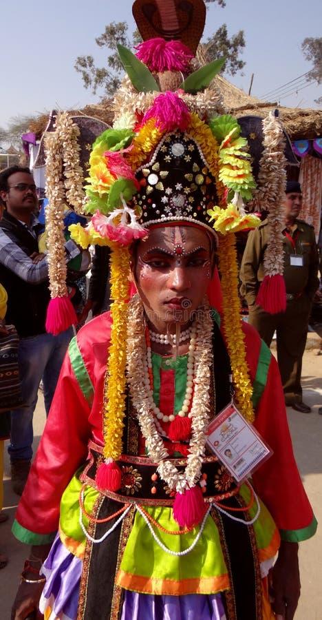 Un artiste tribal d'étape image libre de droits