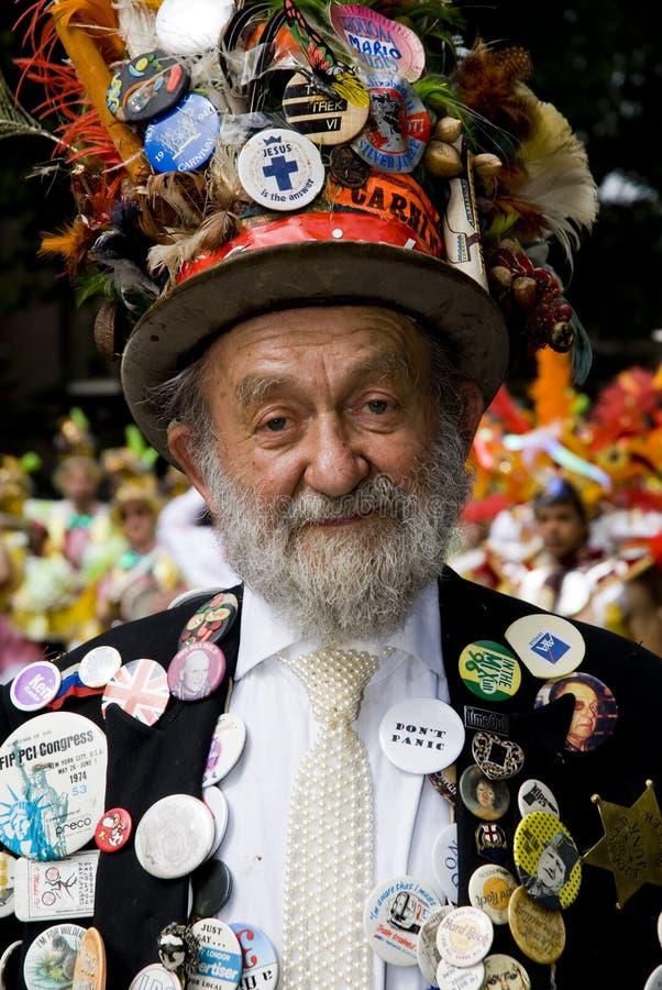 Un asistente ostentoso del carnaval imagenes de archivo