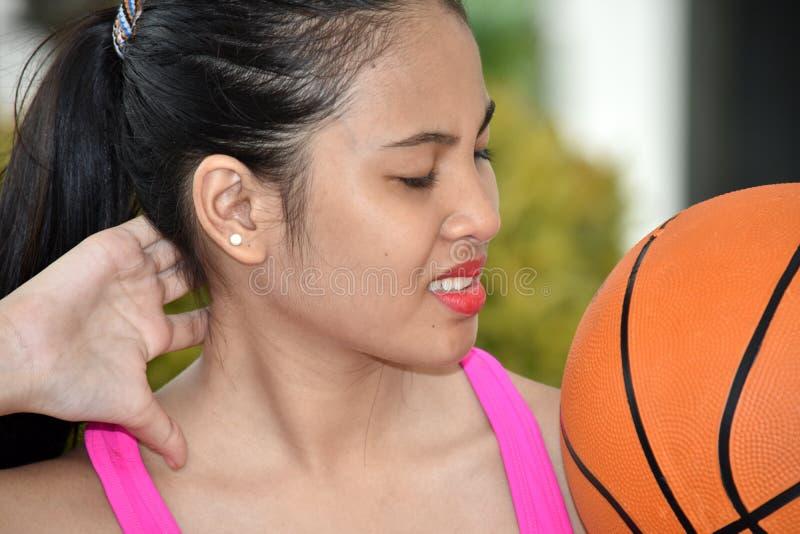 Un atleta de sexo femenino de dolor fotos de archivo libres de regalías